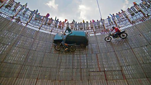 Well Of Death Car Stunt Rider 4
